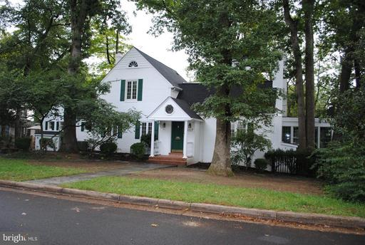 3117 Circle Hill, Alexandria, VA 22305