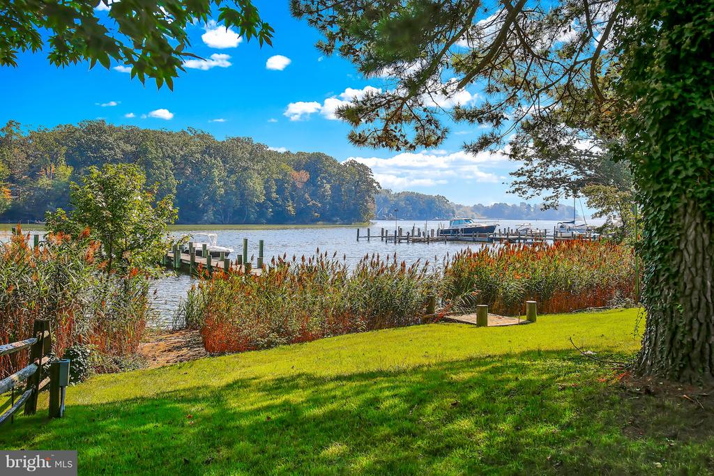 822  HOLLY DRIVE E, one of homes for sale in Annapolis
