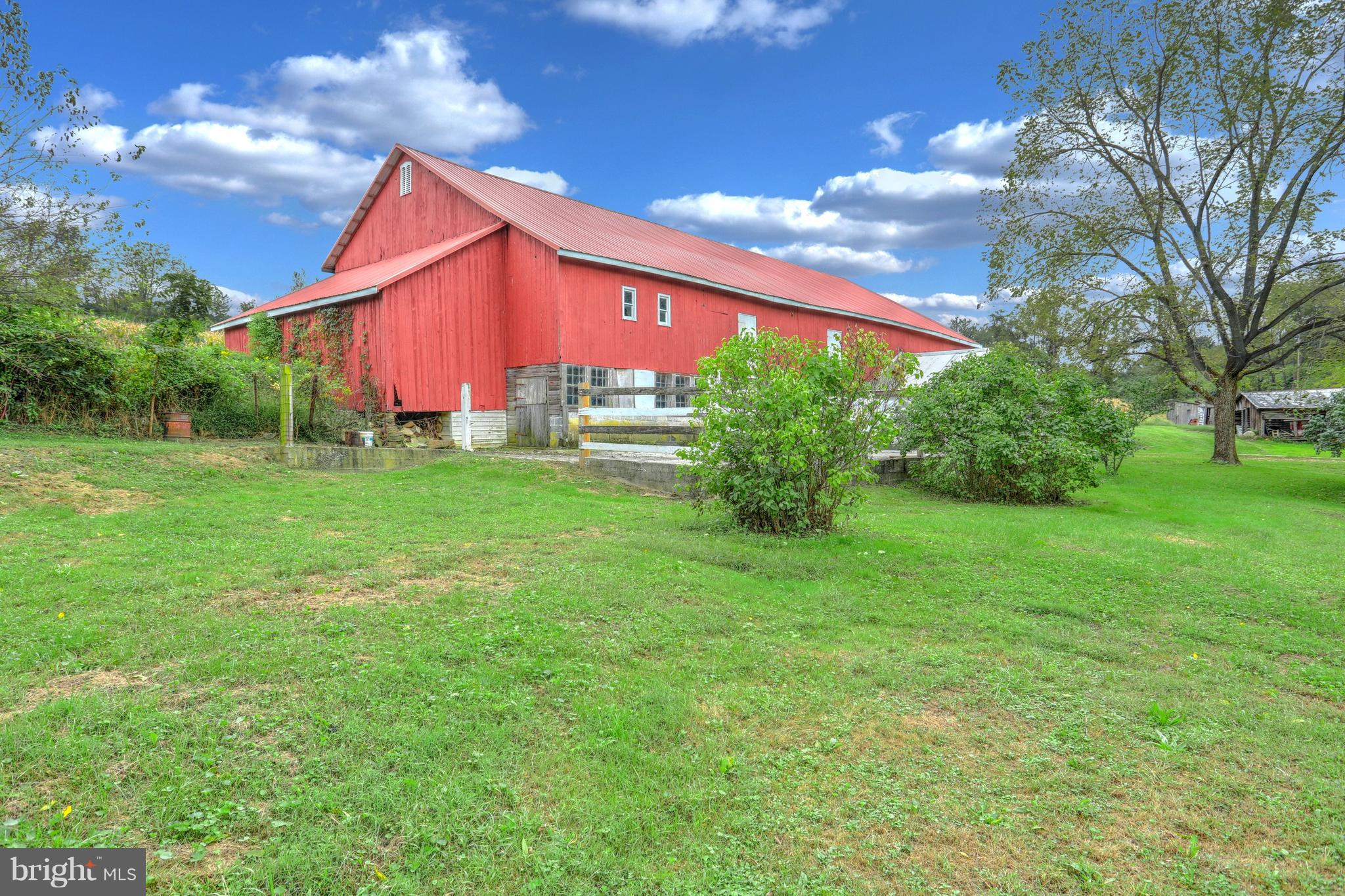 5340 STAMBAUGH ROAD, SPRING GROVE, PA 17362