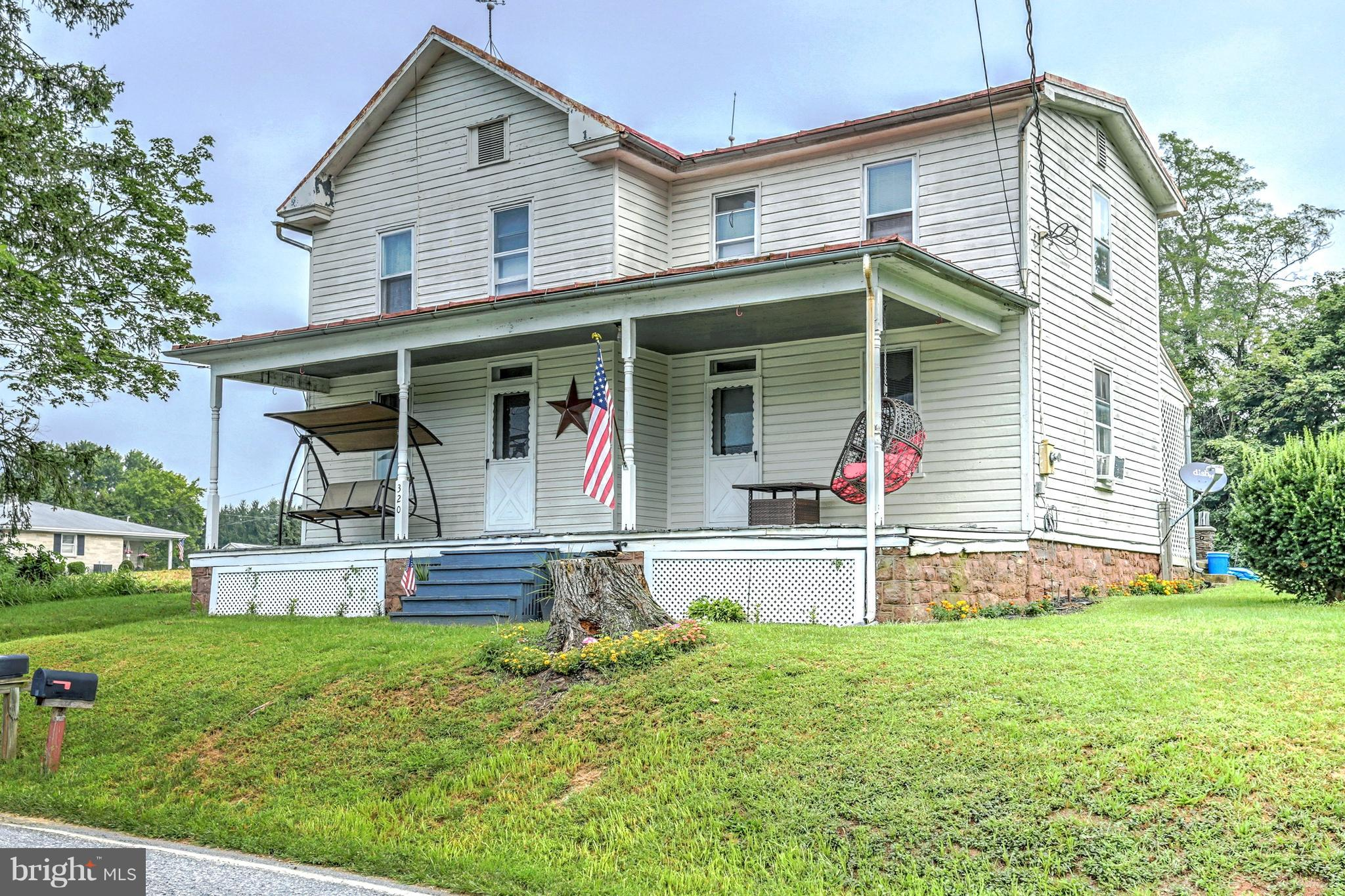 320 EAST FRONT STREET, LEWISBERRY, PA 17339