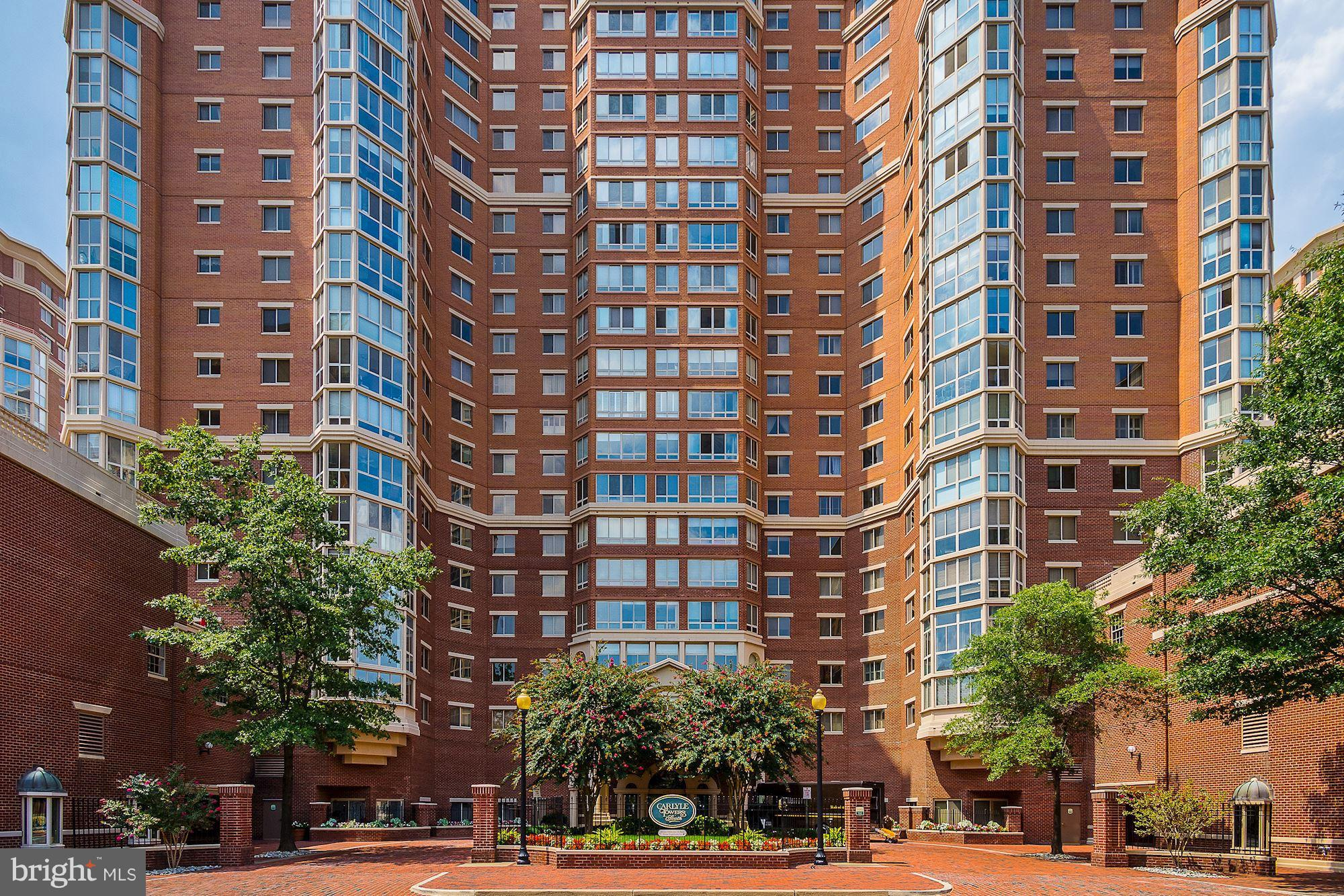 Rare 2400 sq ft 3BR, 2.5BA in Carlyle Towers. Great flow. 2 Sunrooms w/17th fl views of vibrant sunsets, DC fireworks, Masonic Temple. Striking Brazilian Chestnut floor, upgraded appliances. 2 Grg Sp, 2 Strg Units. Full-service, max amenities. 4blks to Amtrak, VRE, King St or Eisenhower Ave Metro, metro 5-9min to proposed Amazon HQ2; 7min to Airport. 1 to 4blks to Old Town Alex, Whole Foods, Fed Ct House, PTO, NSF.