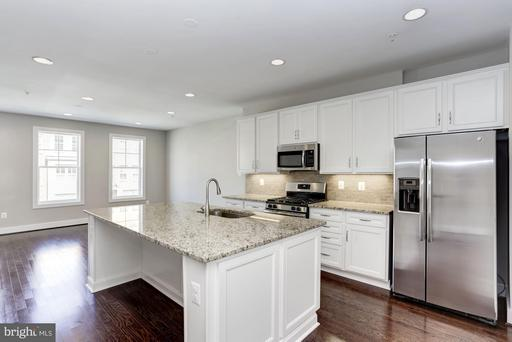 220 Kepler Dr, Gaithersburg MD Real Estate Listing | MLS#  {g:Listing:MLS_Number)