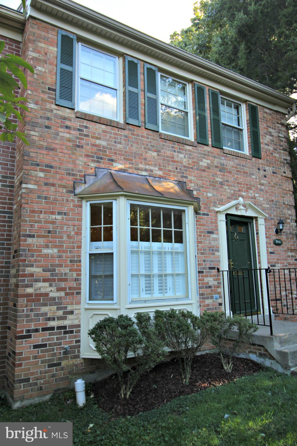 *WONDERFUL* 3BR/3.5BA end unit town home in convenient Falls Church location! This amazing town house features gleaming hardwood floors; living room with bay window that opens to the dining room; updated kitchen with granite counters and stainless steel appliances and eat-in area with fireplace! The master bedroom suite includes walk-in closet and en suite full bathroom! Fully finished, walk-out LL!