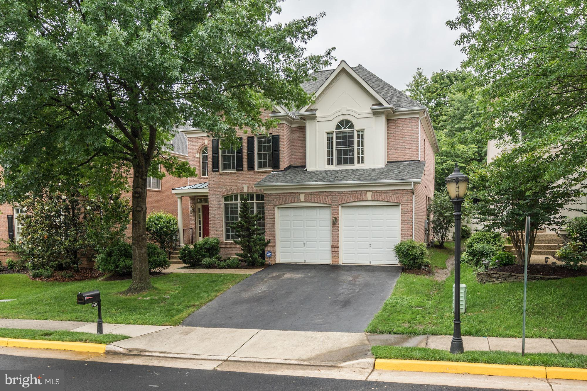 Immaculate 5 BR,4.5 BA home+2 car garage in Farrcroft! Gorgeous HW Flrs. Formal LR, DR+ office w/ built-ins. Expansive kitchen w/ granite counters opens to Fam Room w/ gas FP + built-ins. Upstairs, master suite w/ 2 walk-in closets. 2nd ensuite BR+ 2 more BRs w/ J&Jill BA. LL 5th BR, Rec Rm (w/pool table), Media Rm + wet bar. Updated systems! Farrcroft pool.Walk to downtown FFX City. OPEN SUN 2-4.