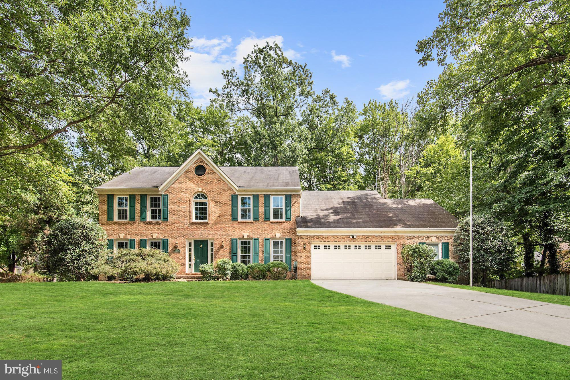 Located on a quiet cul-de-sac in Fairfax Co Alexandria, this well-designed home is built w/ thoughtful details and unique touches, including spacious rooms, bountiful windows/skylights throughout allowing for floods of natural light, gorgeous millwork, vaulted/cathedral ceilings, 2-story/+11ft. ceilings, ornate light fixtures, & large lot. A great opportunity.