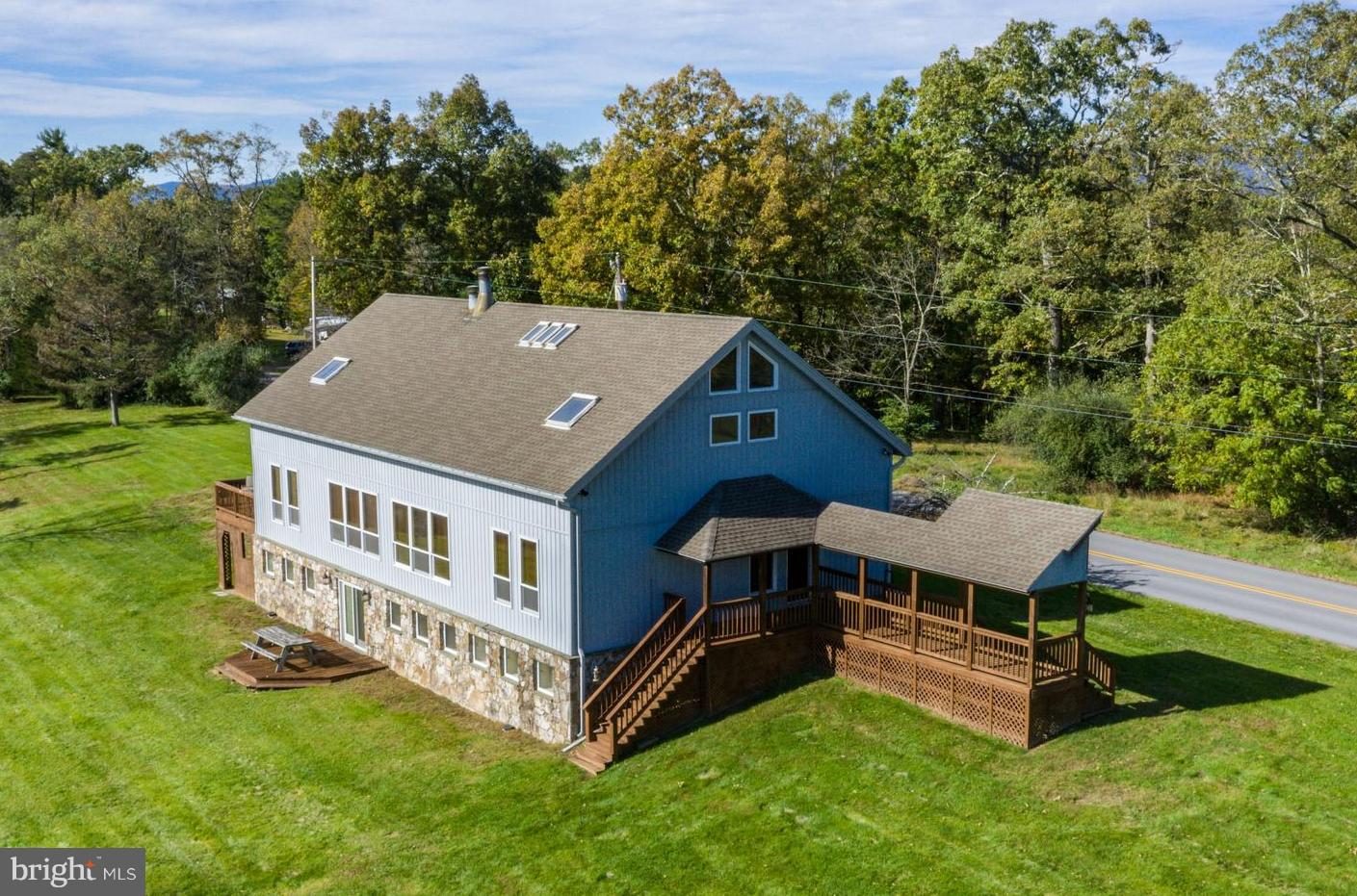 512 BREEZY POINT ROAD, MCCONNELLSBURG, PA 17233