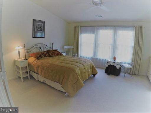 Bedroom (Master)