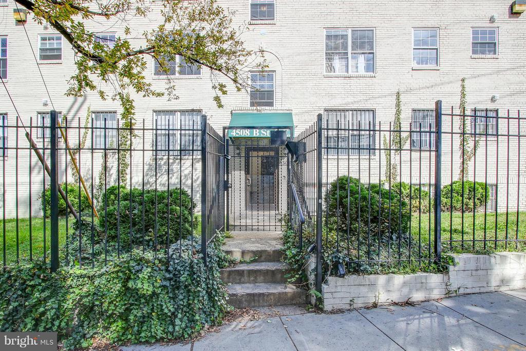 2BR, 2BA condo in gated community! HWF in main liv area & in-unit stacked washer/dryer! An investors dream!! Secure building w/ street parking. Steps away from Benning Rd Metro Station & easy access to major DC routes & MD line.
