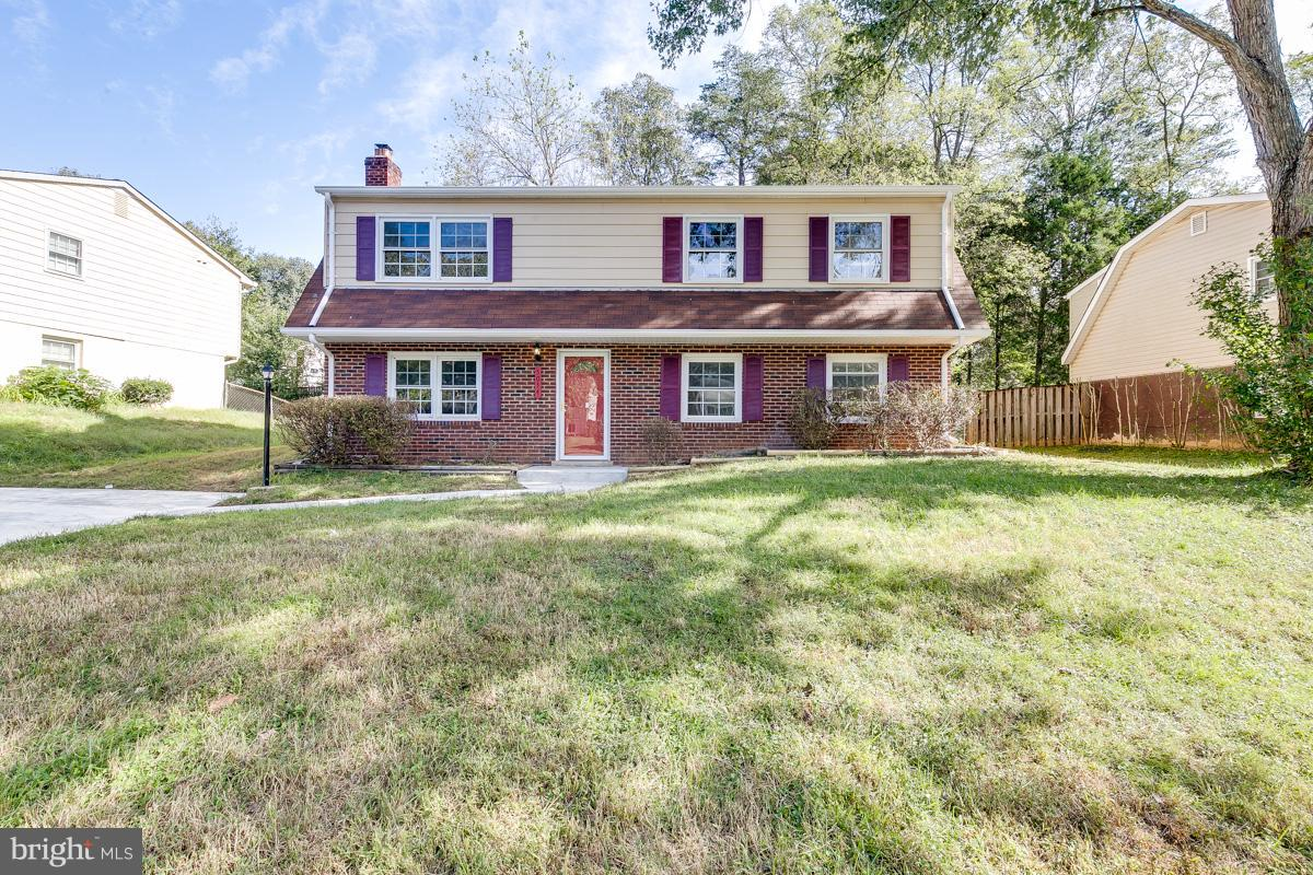 Beautiful Bi-Level with huge level yard and deck. Family room with fireplace, separate dining room, renovated bathrooms, kitchen with stainless steel appliances and granite counter tops, Laundry room & storage room and much more.
