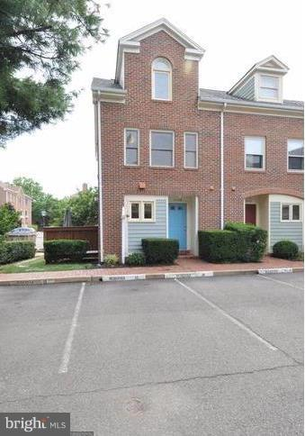 A Commuters dream, lovely 4 Level End Brick Townhome in sought after Ballston, 2 blocks from Ballston Metro, easy access to 66 and Hwy 50.  Updated kitchen and bathrooms, wood floors, granite countertops, fireplace, private deck. Finished Basement with wet bar and laundry.