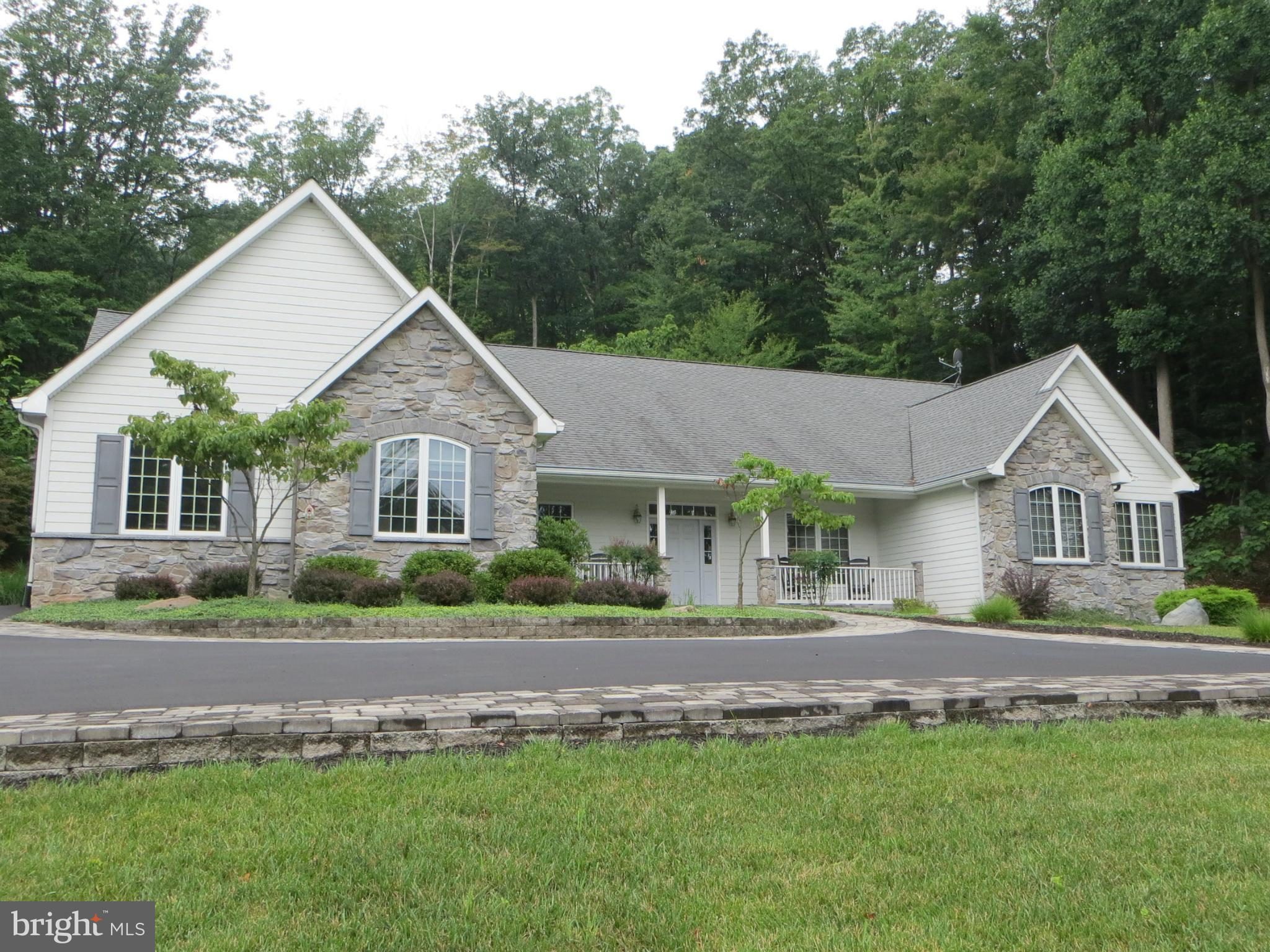 1811 WINTERCAMP TRAIL, HEDGESVILLE, WV 25427