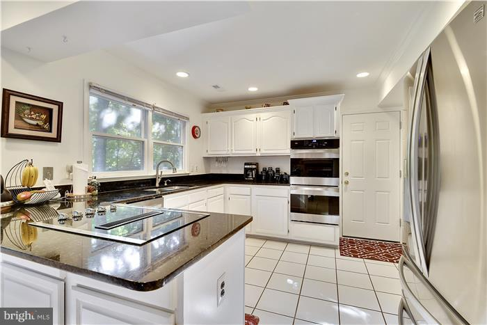 5 HUTCHINSON COURT, SILVER SPRING, MD 20906
