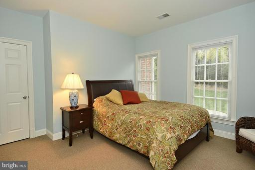 1105 Leigh Mill Rd, Great Falls 22066