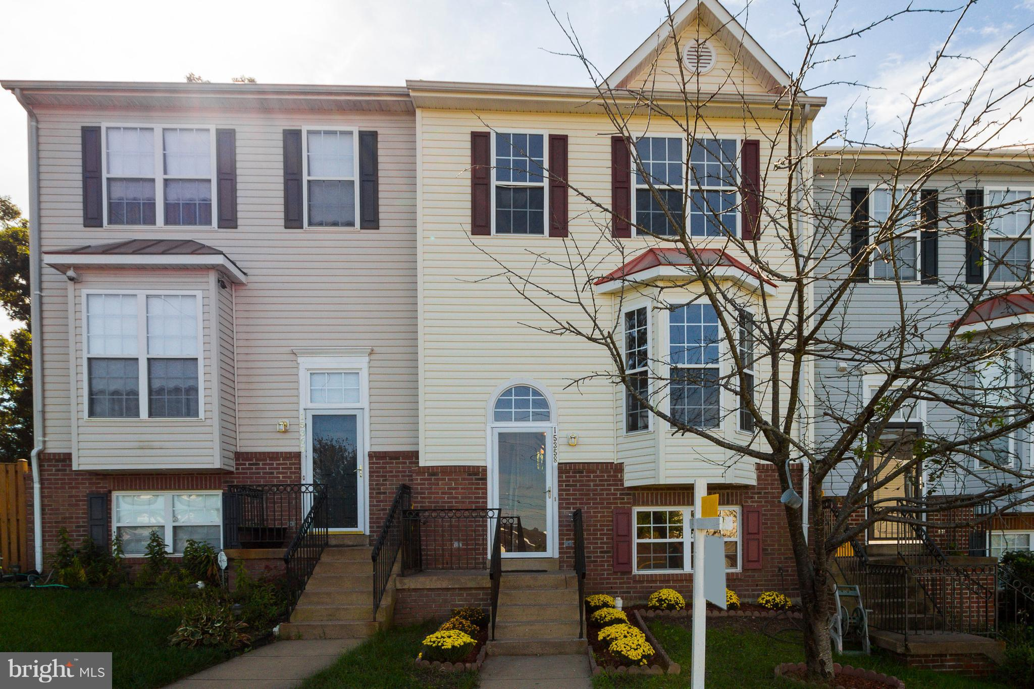 Spacious and Bright Town House, New SS Appliances, New Granite tops in kitchen and bathrooms, New Tiles in Kitchen, Sun room and Foyer, New Carpet, Newly Painted, Master bathroom with double vanity, Move in ready, 1/2 mile to I-95 close Potomac Mills shopping center. Must see