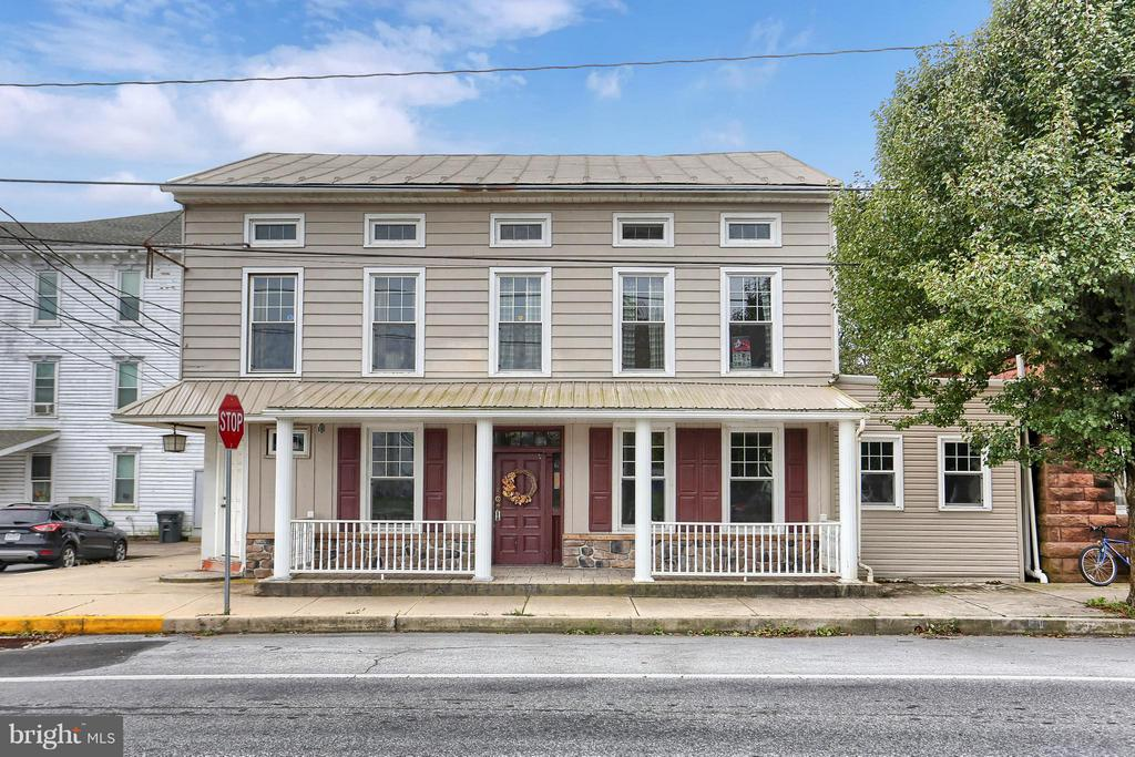 8 BROADWAY, ETTERS, YORK Pennsylvania 17319, ,Commercial Sale,For Sale,BROADWAY,1010004906