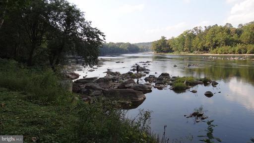 703 Potomac Knolls Dr, McLean 22102