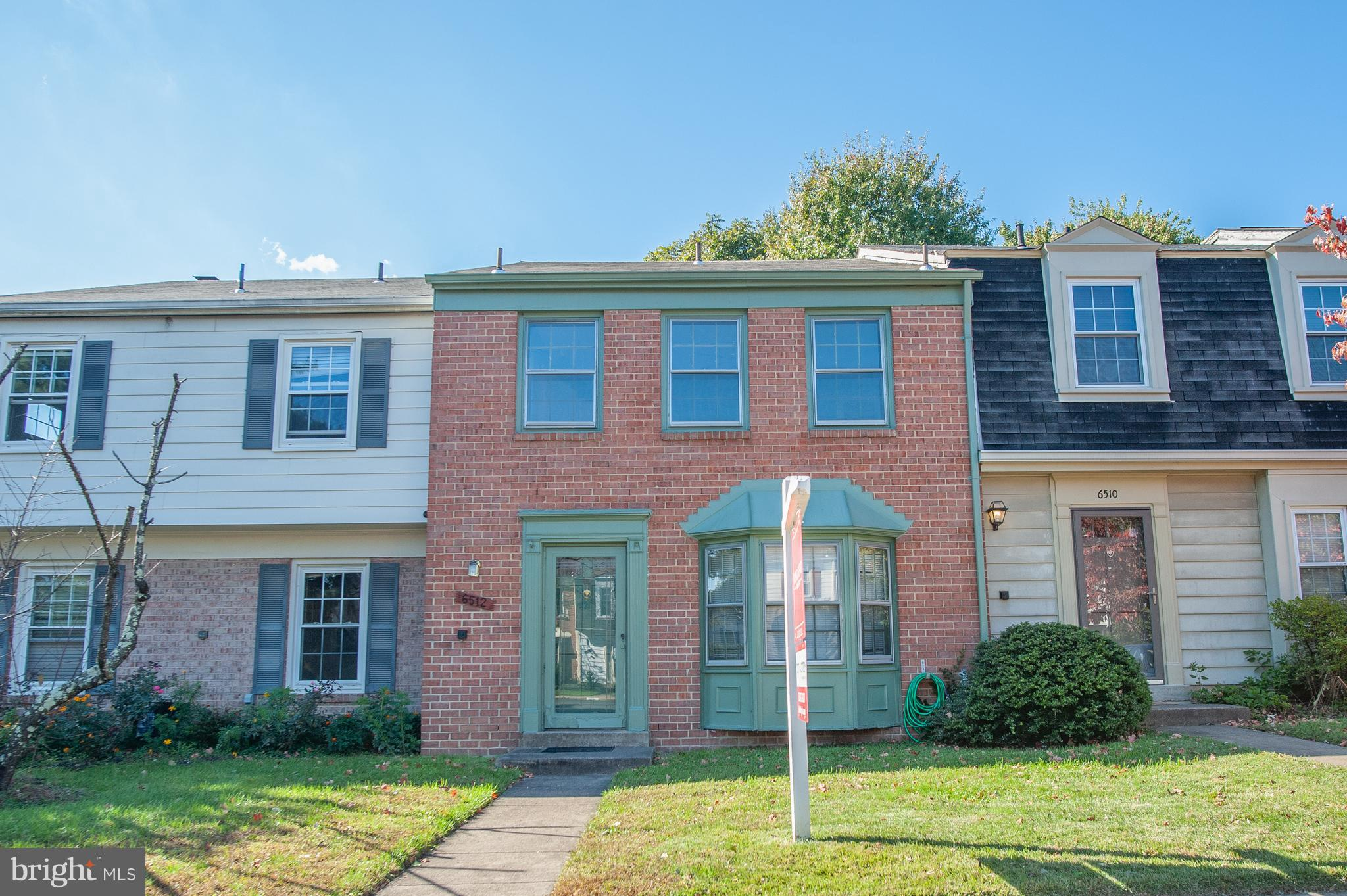 This one needs your imagination and vision combined with a great handyman/contractor with strong renovation skills! A future gem with lots of TLC. Good location near community pool and playgrounds, all major commuter routes, two Metro stations, Fort Belvoir, two Town Centers and more.
