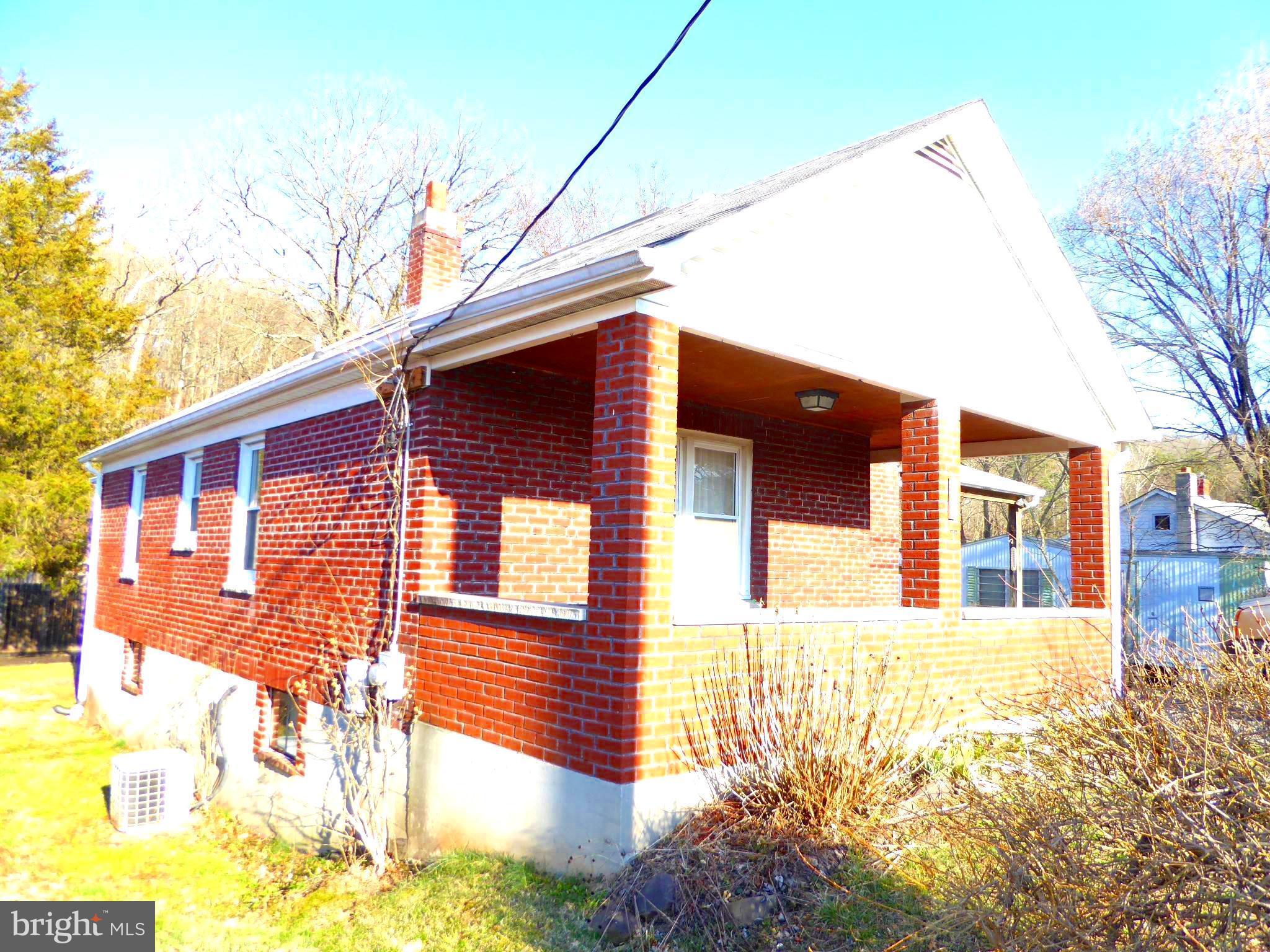 715 HENRY W MILLER BOULEVARD, PAW PAW, WV 25434