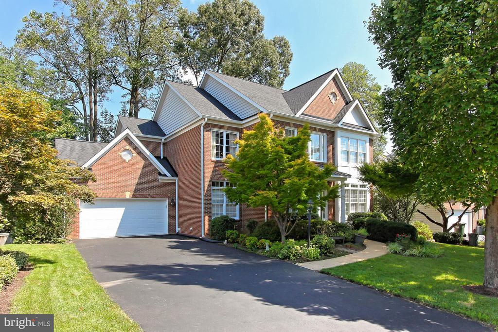 10956 KEYS COURT, FAIRFAX, VA 22032