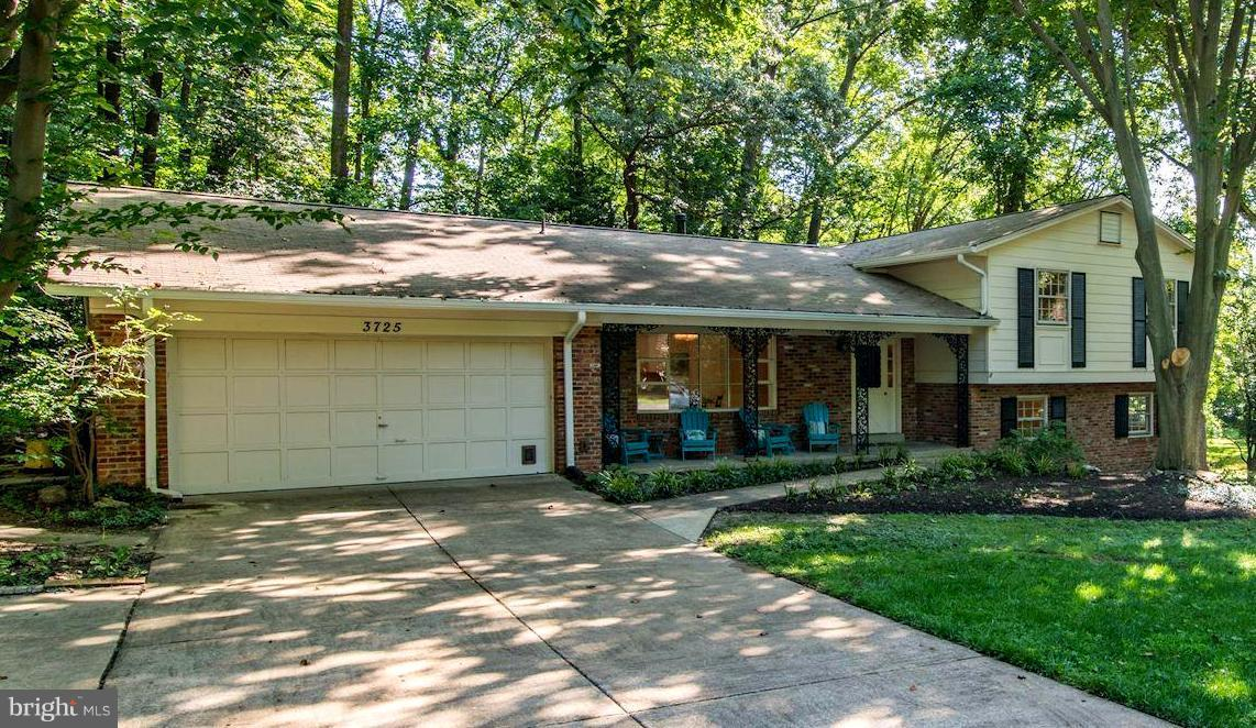 Mantua - 5BR/3BA, 2-Car Garage, 4-Level Split on .46 Acres.  Updated kitchen w/new SS appliances, granite counters & ceramic floors.  All 3 baths updated w/new flooring, vanities and fixtures.  New lighting & paint throughout.  HW floors on Main & Upper Level 1.  New carpet on Lower Level 1,  Roof