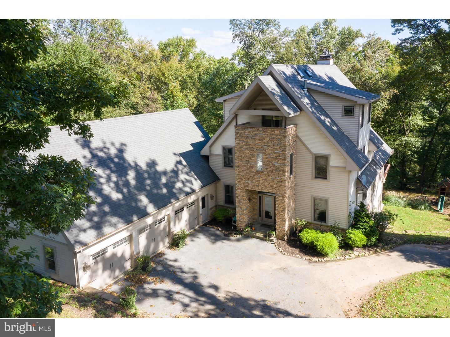 2153 QUEENS COURT, READING, PA 19606