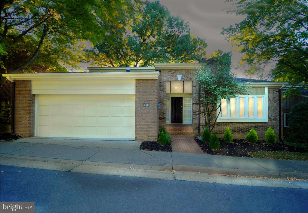 Photo of 1703 Maple Hill Pl