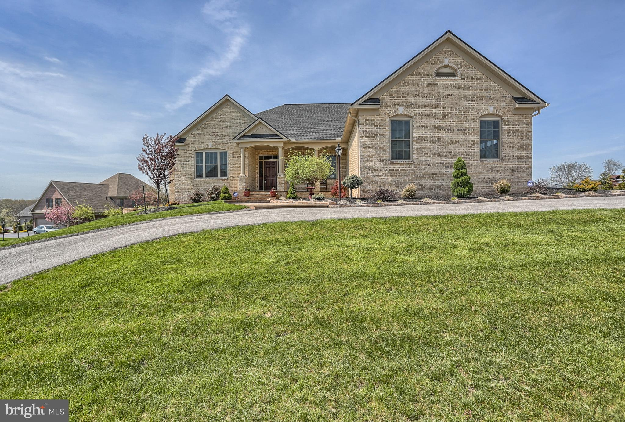 1505 WINSFORD LANE, YORK, PA 17404