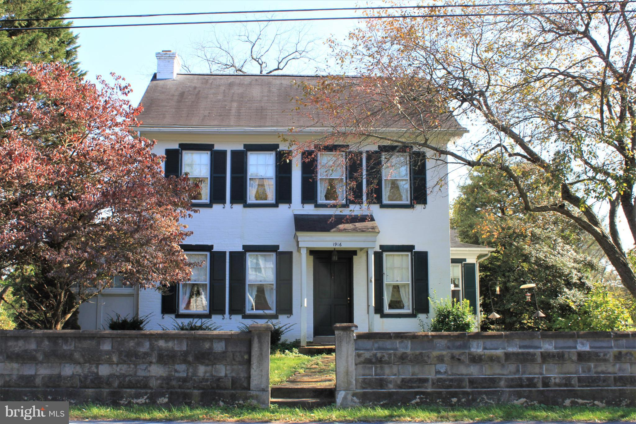 1916 NEW HOLLAND PIKE, LANCASTER, PA 17601