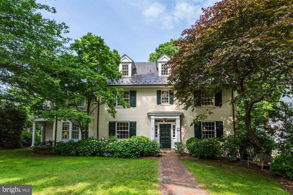 5804 CEDAR PARKWAY, CHEVY CHASE, MD 20815
