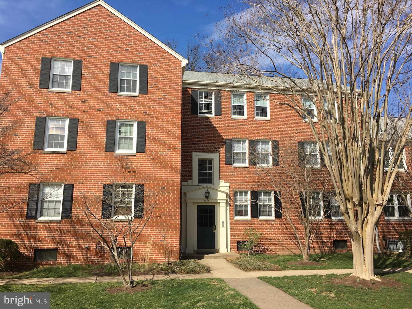 Top floor unit, quiet with beautiful views in all directions. Kitchen and bathroom updated. Excellent laundry and largest storage unit on premises. Fees include water, trash, pool, playground, tennis courts. Convenient walking to restaurants and bike path. Easy commute to Metro and GW Parkway.