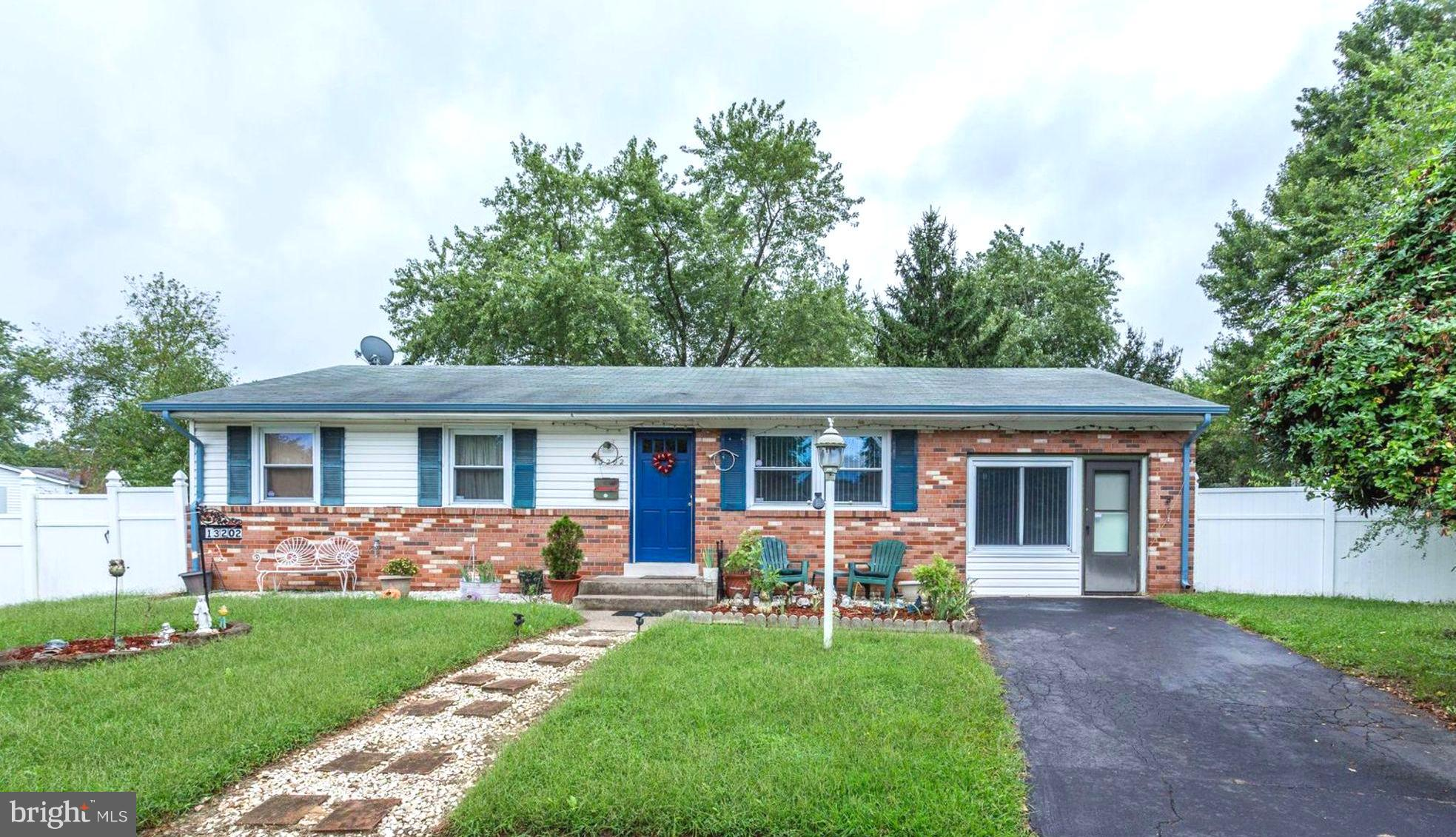 Updated Rambler on over 1/4 Acre! Private Cul-de-sac living! Remodeled Kit w/Granite, Tile, Cabinets, S/S DishW/Gas Stove.  Samsung Refrig! Living rm features Wood floors & Plenty of Natural Light. Desirable layout, Master & 2 Bedrooms on left wing of Home. Full Dining rm addition on Right Side w/ Bonus office space! + Updated Siding, Roof, Furnace,Windows, Baths. Near VRE, Bus & Commuter lots!