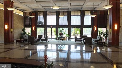5501 Seminary Rd #2303s, Falls Church, VA 22041