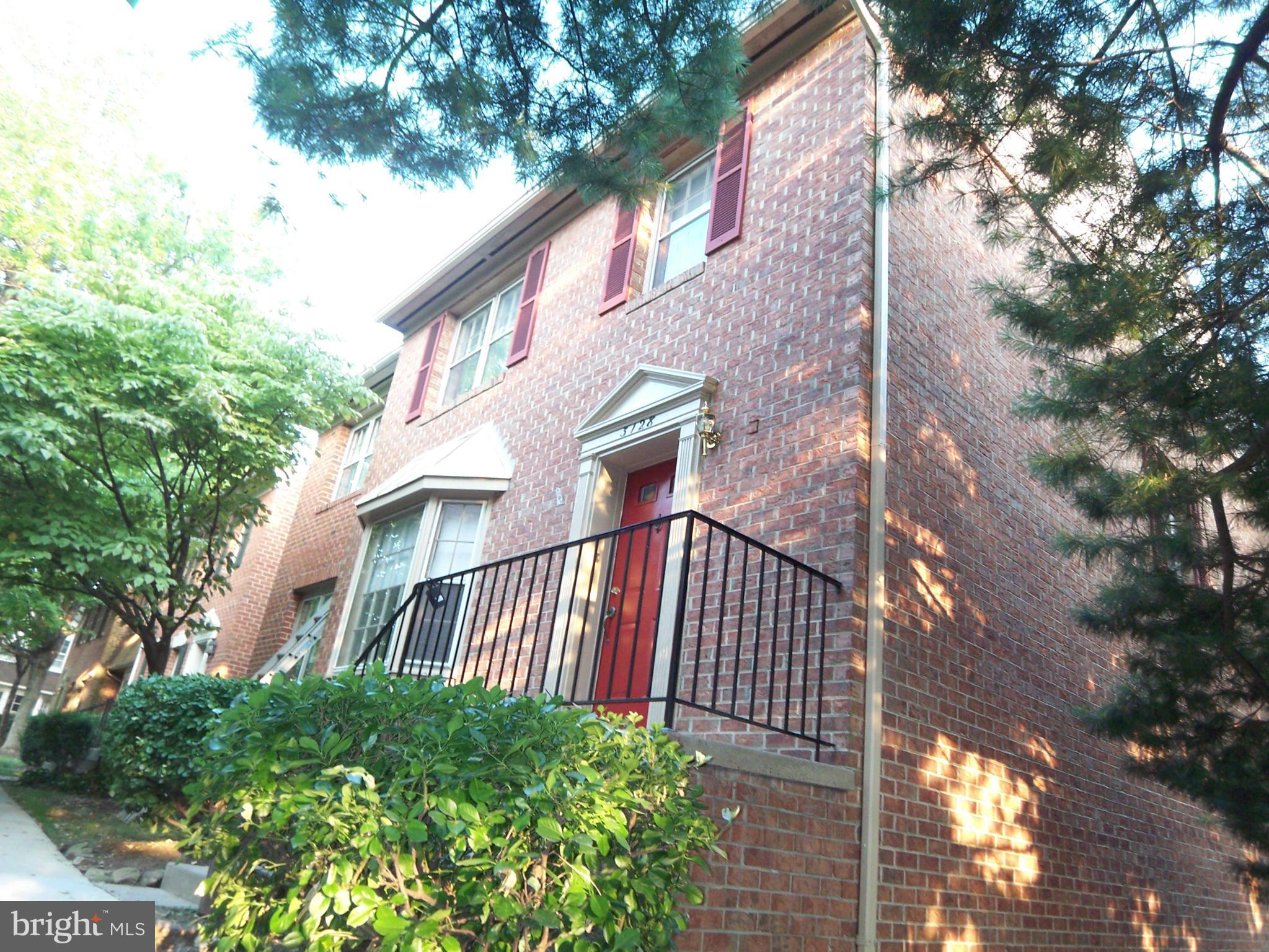 BRICK 23 FT WIDE TH. NEW 3 1/4 INCH HARDWOOD FLOORS IN LR&DR. NEWER CABINETS & GRANITE COUNTERS IN KITCHEN .WALK-OUT LOWER LEVEL WITH REC ROOM & BRICK FIREPLACE, DEN, FULL BATH, LAUNDRY ROOM AND STORAGE ROOM. GAS HEAT. GAS COOKING 1.6 MILES TO METRO.. NEW 2 INCH BLINDS,FRESHLY PAINTED. THE 2 UPPER LEVEL BATH HAVE BEEN RETILED. .