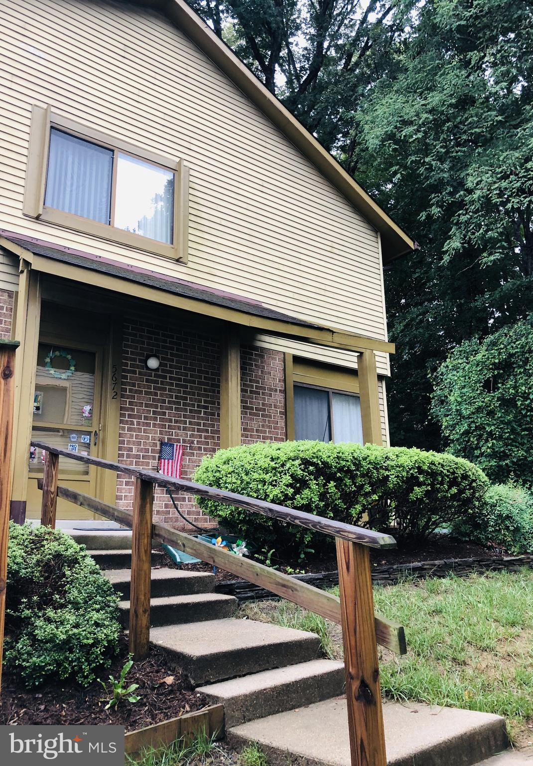 HUGE OPPORTUNITY to OWN in BURKE- PRICED BELOW APPRAISED VALUE!!! Hardwood floors, new refrigerator, updated kitchen & sliding glass door. Private fenced in brick patio overlooks to greenery. Close to trails, tennis courts, pools, community center & more. Near shopping, restaurants & Burke Centre Parkway. Short drive to EagleBank Arena & Fairfax County Parkway.