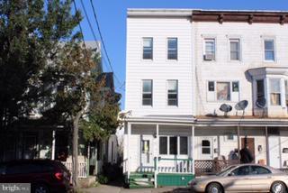 135 W 3RD STREET, MOUNT CARMEL, PA 17851