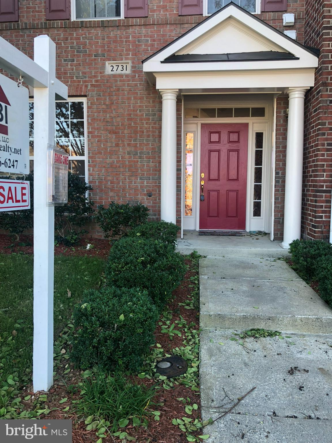 Renovated brick front beautiful 3 level townhome with new paint, new carpet, new padding, new stainless steel appliances, new fence with two detach car garage. Located in a beautiful Port Potomac community with indoor/outdoor pool, basket ball/tennis court, many more and its mins to 95.