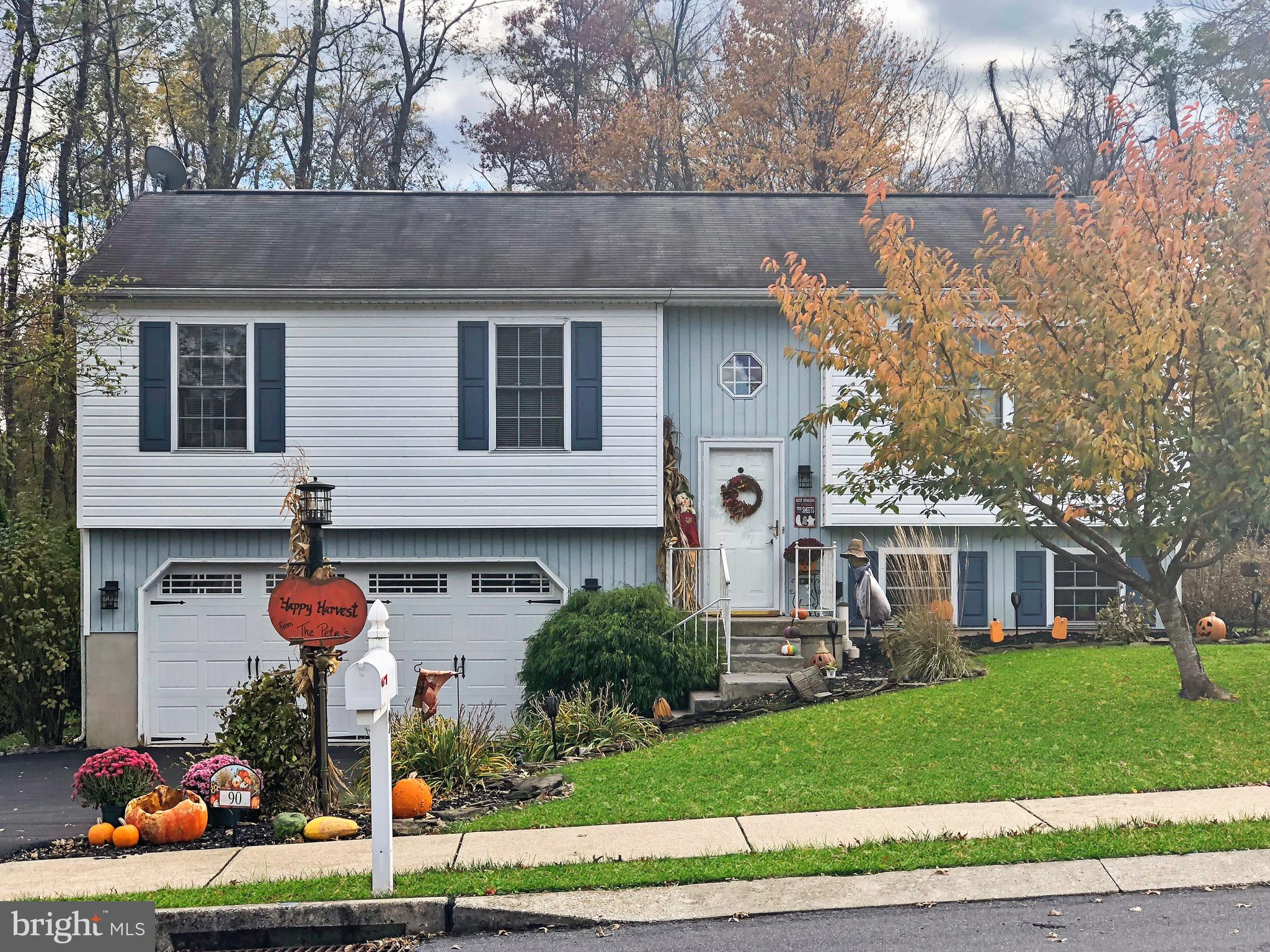 90 IVY DRIVE, MANCHESTER, PA 17345