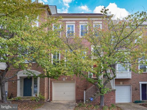 9 Arell Ct