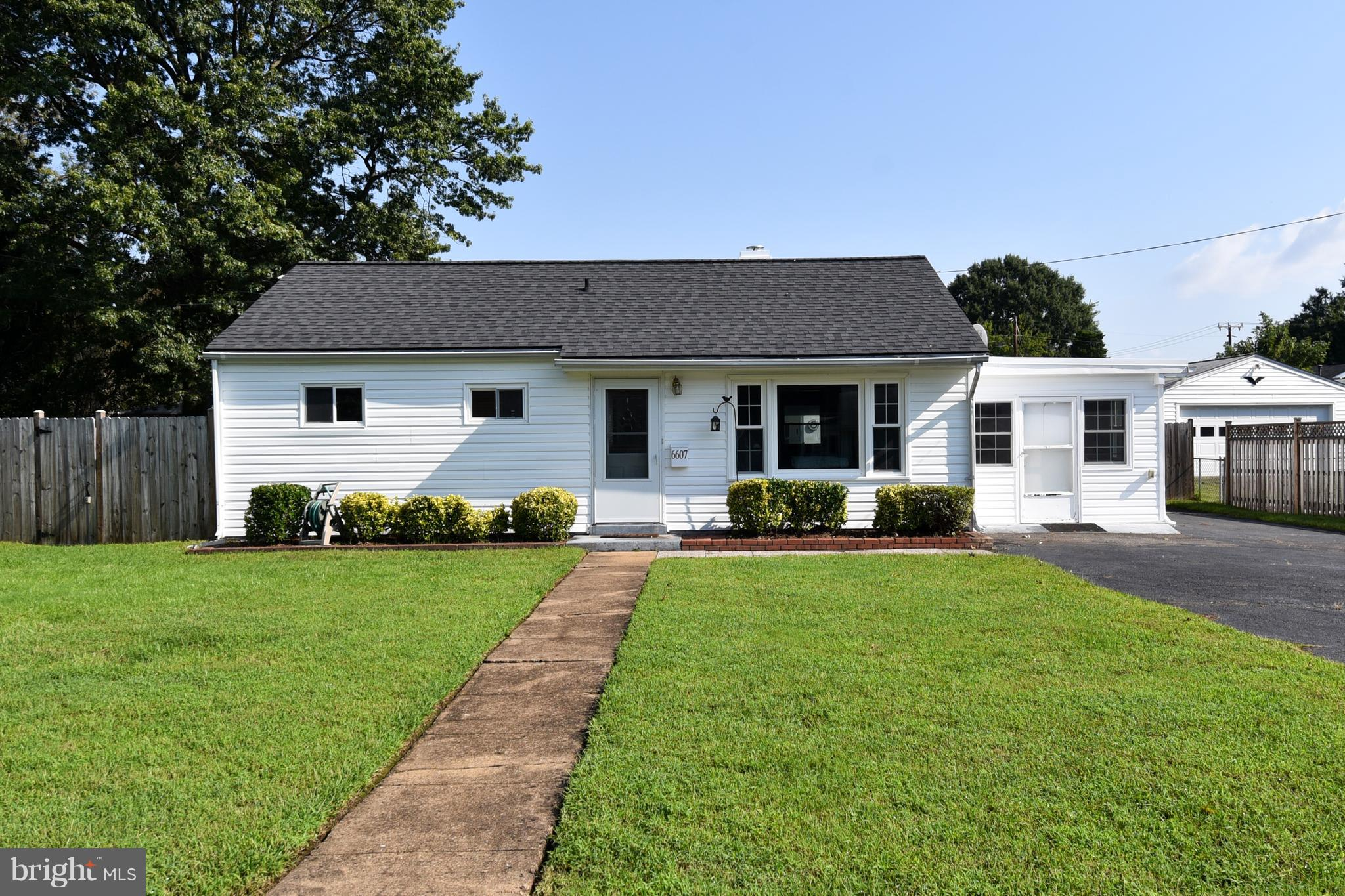 Move-in ready 3 bedroom, 2 bath rambler, Large fenced in yard with oversized detached garage and shed/workshop with AC unit and electricity. Large kitchen with granite countertops plus bonus room/dining room.  GREAT LOCATION - close to it all!  GREAT PRICE!