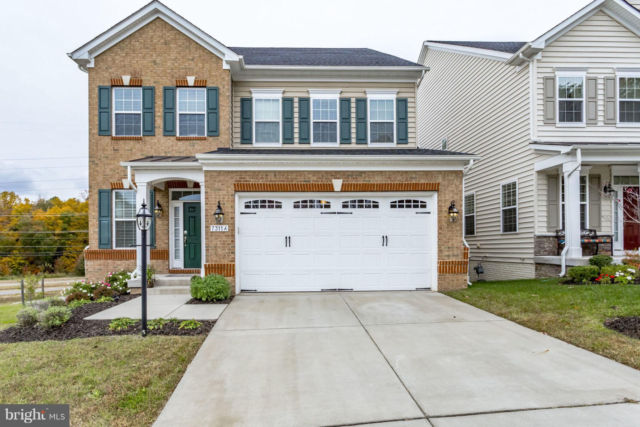 Spacious Four Level Home In Sought-After Area! Gourmet Ktchn w Granite Ctps, Brkfst Bar, SS Applncs and Custom Hrdwd Flrs and Cabinets. Recessed Lghtng Thrghout Home. Wlkout Deck w Plnty of Rm for Entrtnmnt and Lots of Privacy. Multiple Mstr Bdrms. Extra Upper Lvl w Bdrms and Bath! Expansive Bsmnt w Granite Wet Bar. Ample Storage. Wlkout to Bckyrd Backing to Trees. Minutes to I95 and Metro!