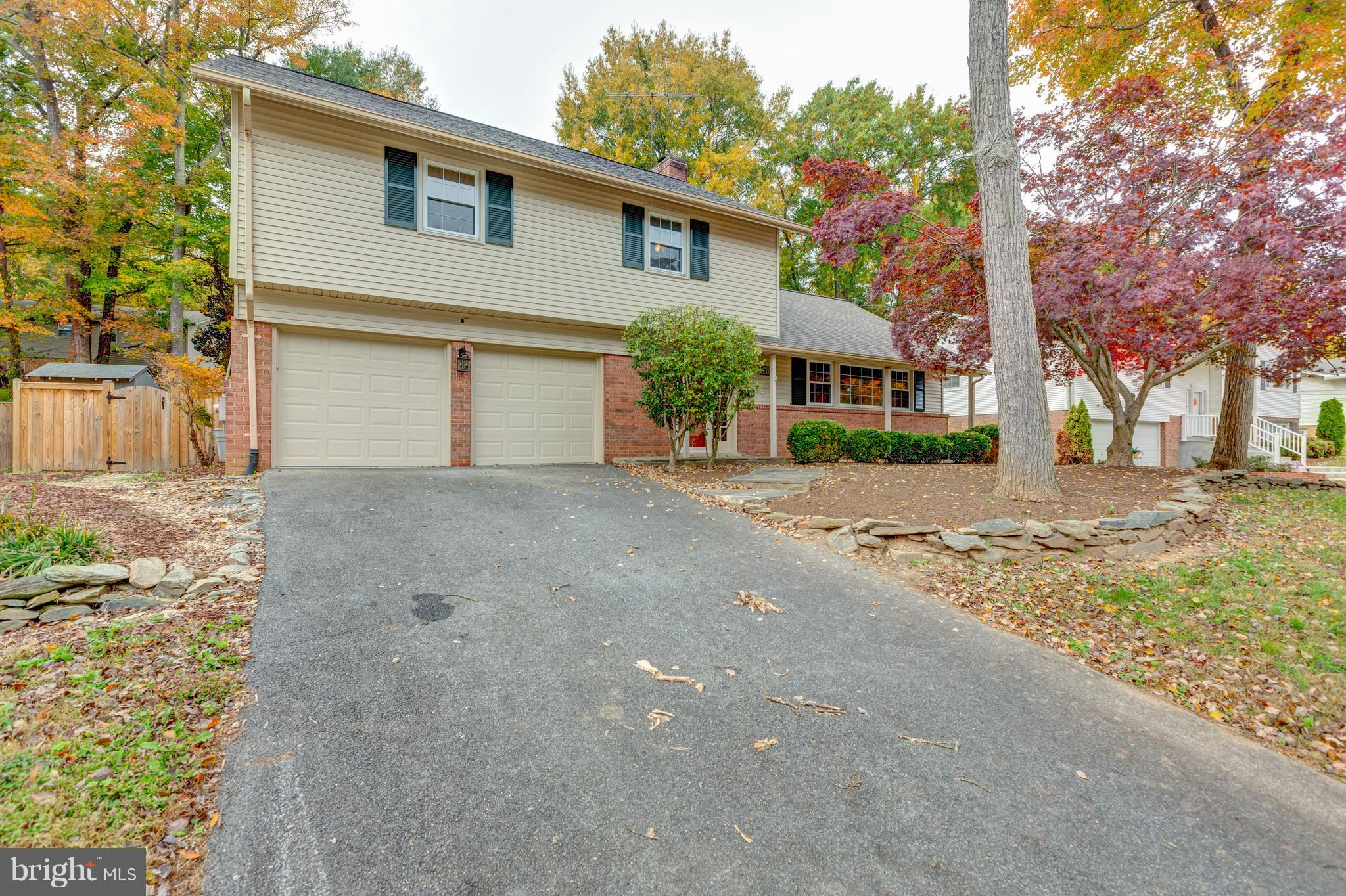 This Open Bright home is ready for you to move into.  It is great for entertaining from the warm hard wood floors to the cool pool and outdoor space. New HVAC, roof and decking around the pool. Great home sure to please.
