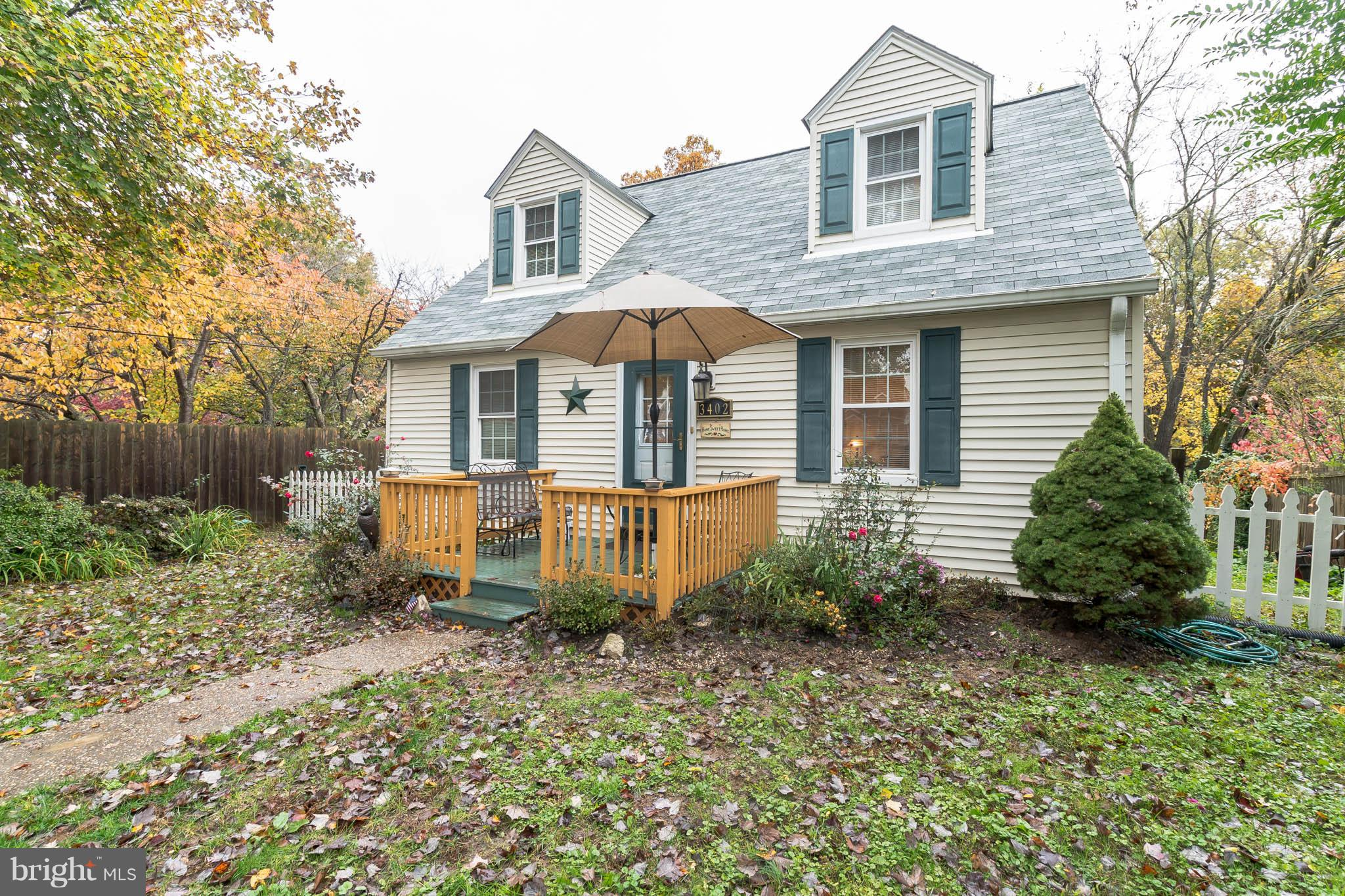 Here's a great opportunity to live close to everything in Groveton! This quaint 4 BR Cape Cod is steps away from shopping and dining, and less than 2.5 miles from Huntington Metro. House features hardwood floors throughout and updated windows. The fully fenced-in quarter-acre yard is great for pets.