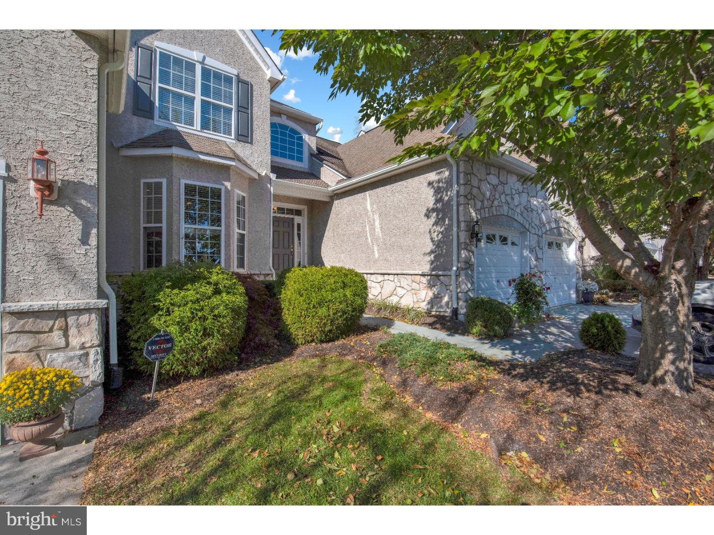 19 VAN ARTSDALEN DR, WASHINGTON CROSSING, PA