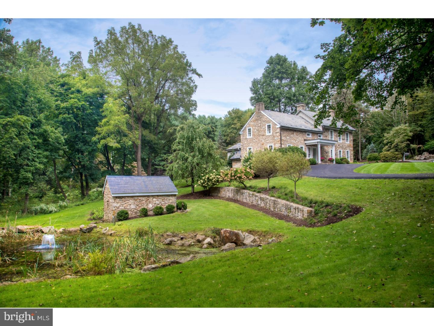 2807 WASSERGASS ROAD, HELLERTOWN, PA 18055