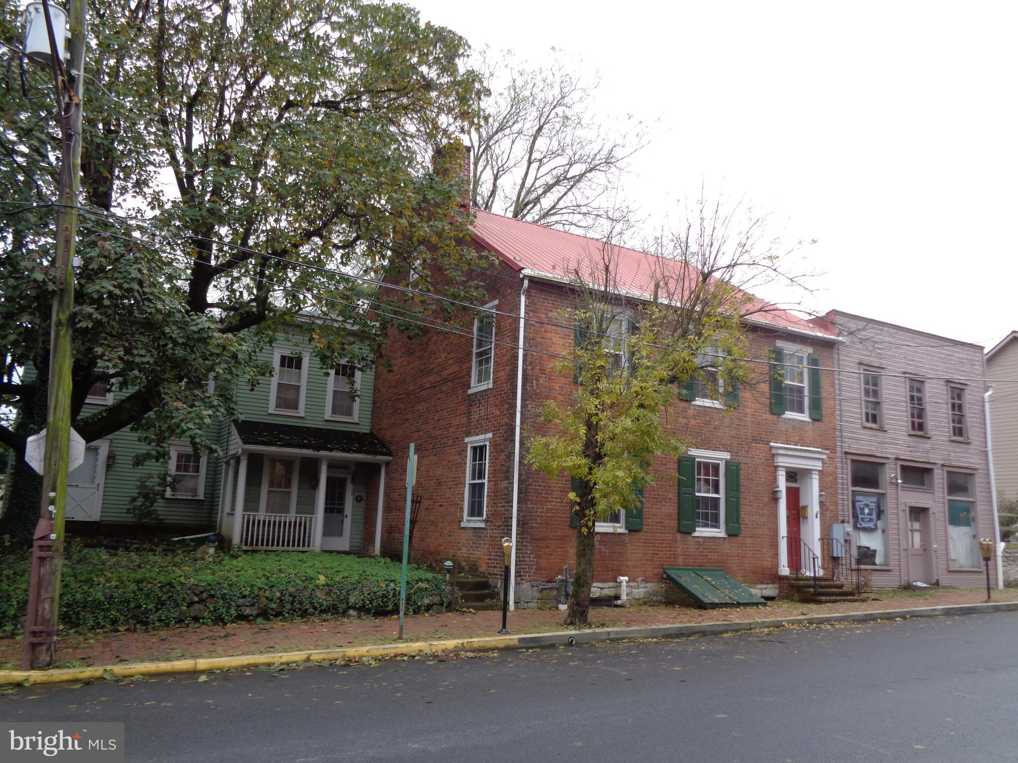14 E SEMINARY STREET, MERCERSBURG, PA 17236