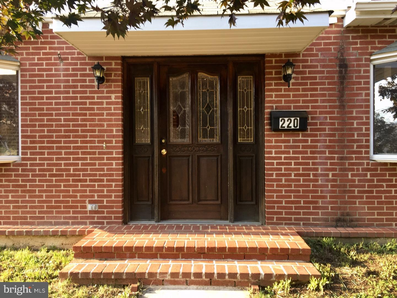 220 Delmont Avenue Ardmore, PA 19003