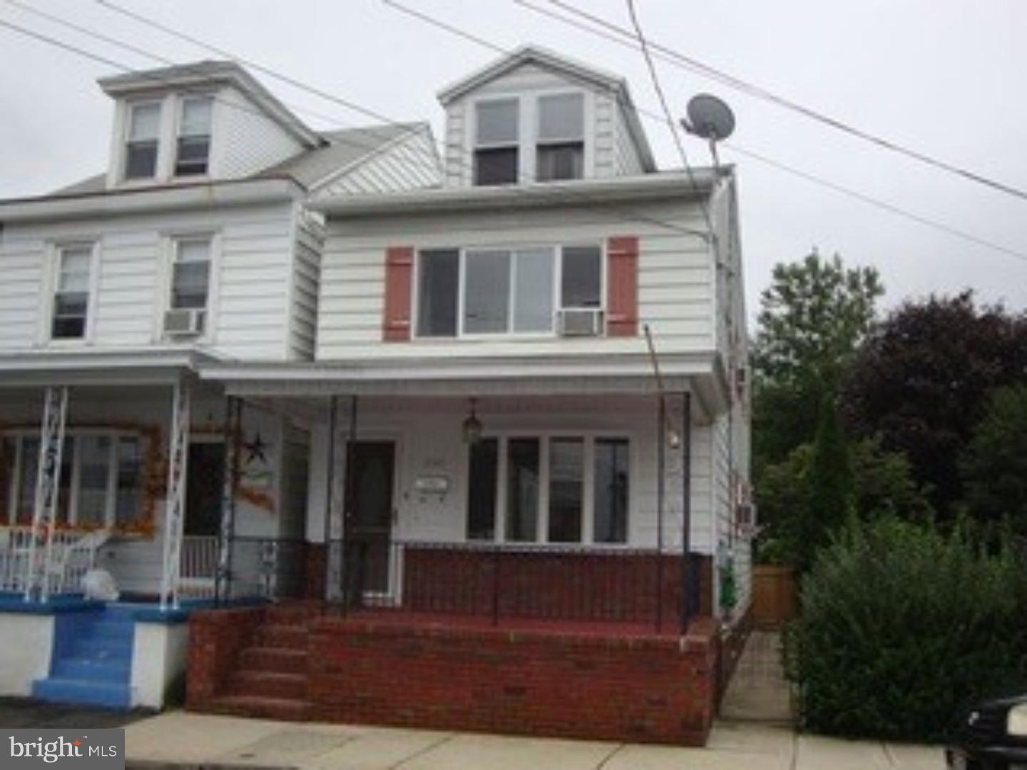 330 S MILL STREET, SAINT CLAIR, PA 17970
