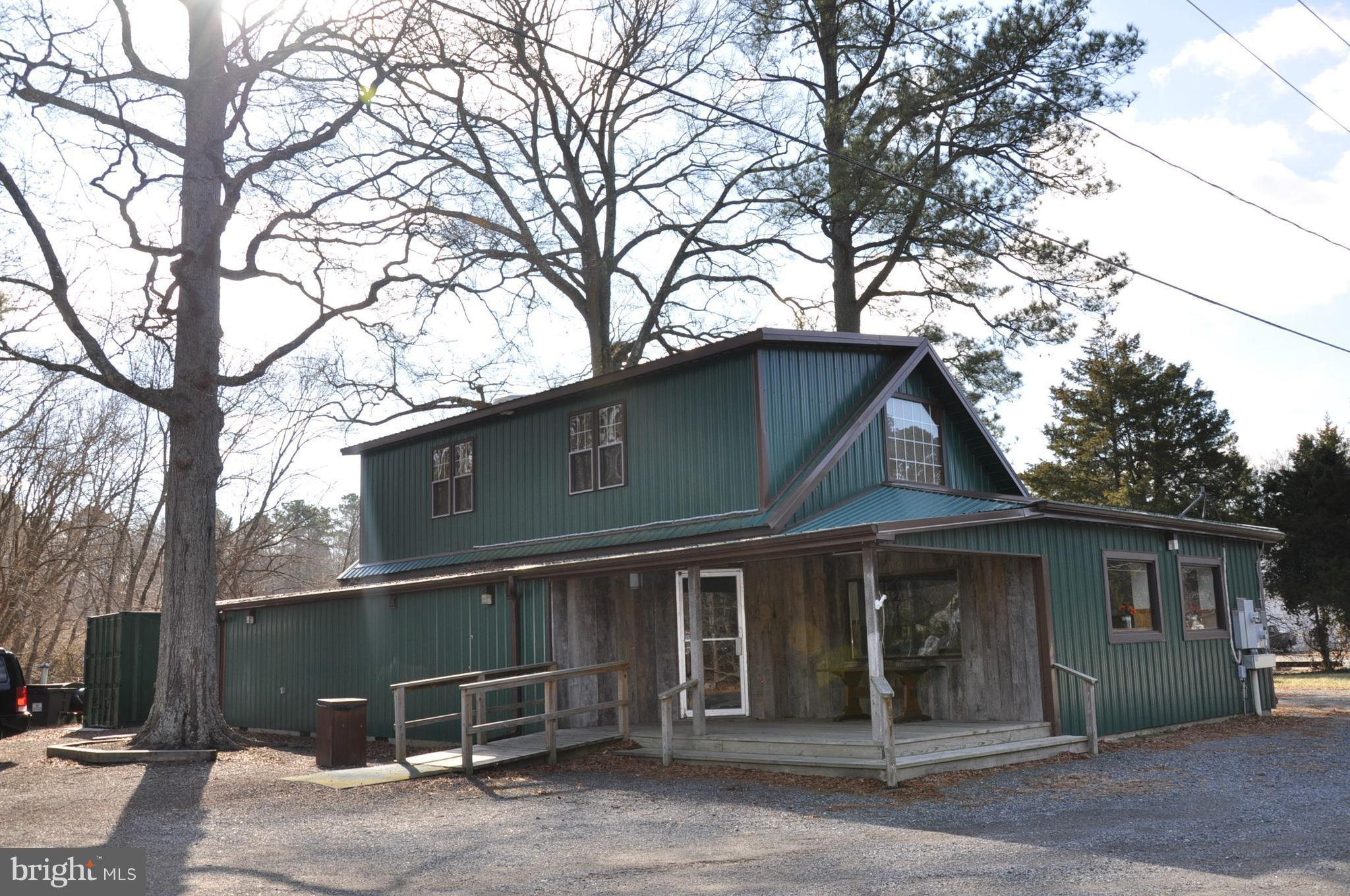 Fully equipped restaurant in high traffic location - in route to Blackwater National Wildlife Refuge and Harriett Tubman Museum. Mixed-use property.  Furniture, fixtures and equipment included in sale.  One Bedroom apartment over the commercial space for owners use
