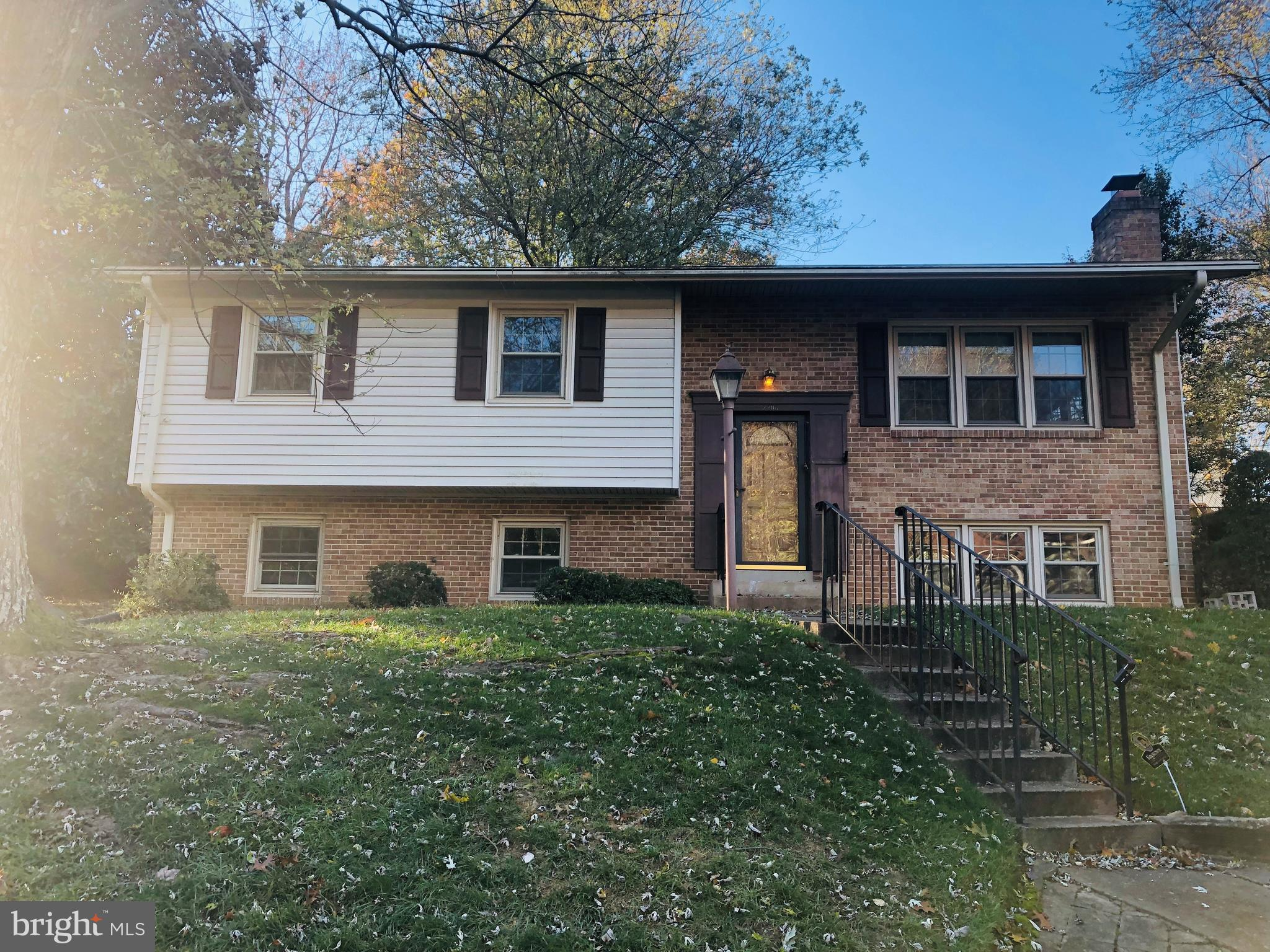 Beautiful Split level single family home in the heart of the sought after Lake Ridge Community in a Cul de Sac. Spacious and light filled.  Newer Roof, windows and HVAC system . Priced to sell . Come and See. SOLD AS IS.