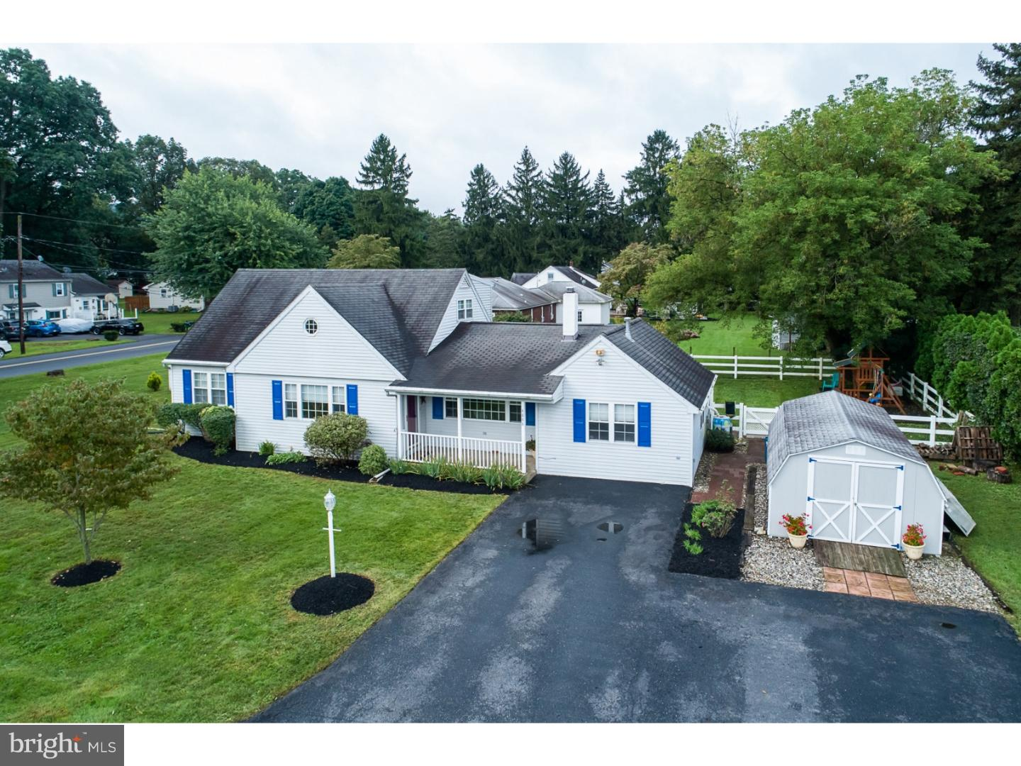 4888 APPLE LANE, CENTER VALLEY, PA 18034